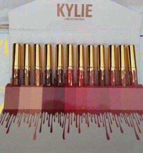 Набор блесков по скидке Kylie