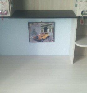Стол-шкаф