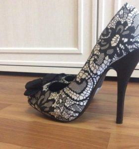 Туфли новые 38-39 размера