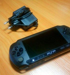 Sony PSP +диски с играми(8)