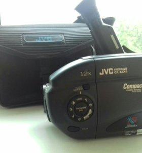 Видеокамера JVC JR-AX46