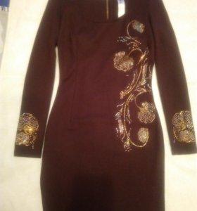 Платье-футляр из плотного трикотажа CLUB DONNA