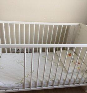 Кроватка, матрас, подушка