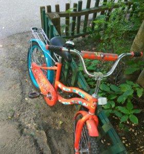 Новый велосипед.есть маленький колеса.