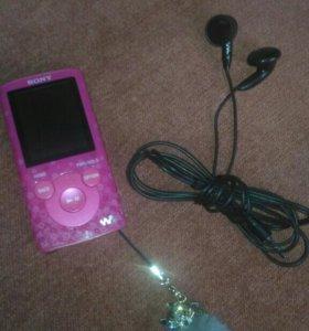 Плеер розовый Sony Walkman(как новый)