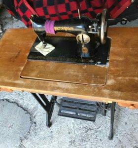 Швейная машина польская