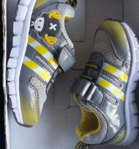 Кроссовки новые обувь на мальчика