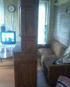 Старинная мебель буфет и еше один буфет
