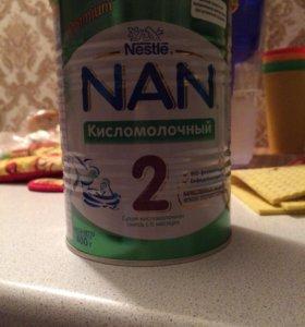 Продам Детскую смесь Nan кисломолочный 2