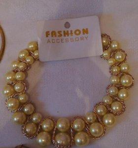 Бусы, ожерелья