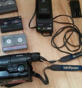 Видеокамера sony CCD-TR424E/B