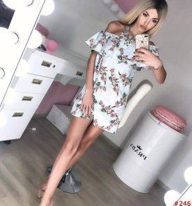 Платье белое с цветами с рюшей