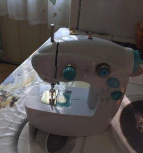Швейная машинка Новая!!!!
