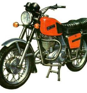 Продам запчасти на мотоцикл иж