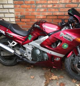 Kawasaki zzr400v-2
