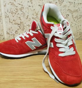Кроссовки New Balance Red