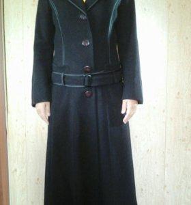 Пальто женское 46 размер.