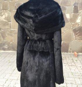 Норковая шуба с капюшоном чёрная