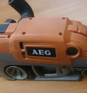 Шлифовальная машинка AEG HBS 1000 E