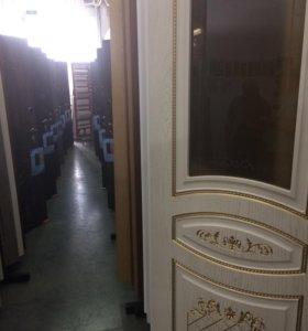 Двери межкомнатные, входные, петли, замки, ручки.