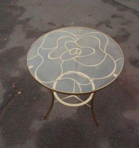 Кованый стол с розой на подстолье
