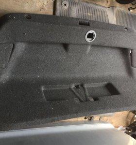 Обшивка багажника Пассат Б7 седан