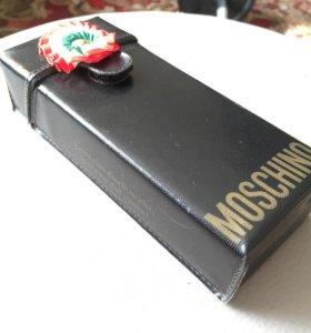 футляр для очков Moschino