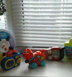Пакет фирменных игрушек