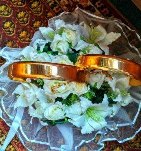 Украшение на свадьбу (Свадебные кольца на машину)
