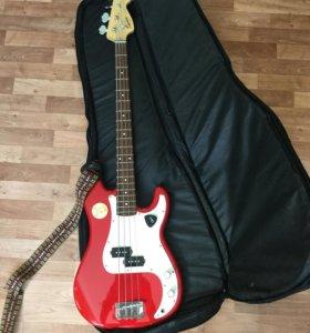 Бас гитара Squier p-bass