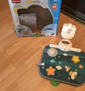 Развивающая игрушка на кроватку