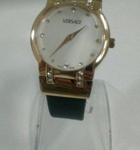 Новые женские часы Versace кварцевые. Доставк