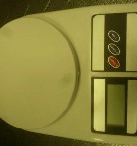 Весы кухонные 5кг (новые)