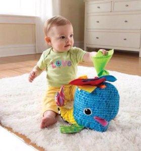Развивающая игрушка от Tomy Lamaze