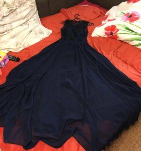 Вечернее темно синее платье в пол