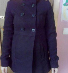Продам НОВОЕ весеннее драповое черное пальто