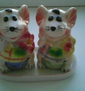 Новые сувенирные мышки для соли и перца.