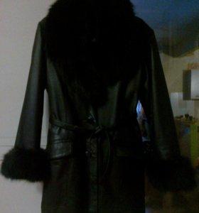 Продам новую зимнюю кожаную куртку (44-46р)