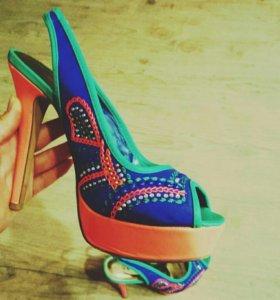 Босоножки - CRONZO (туфли)