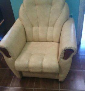 Кресло кожаное.