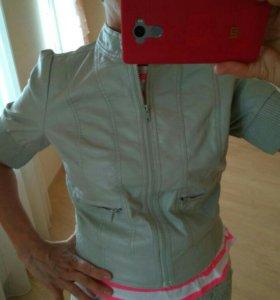 Курточка из мягкой иск.кожи 46 р