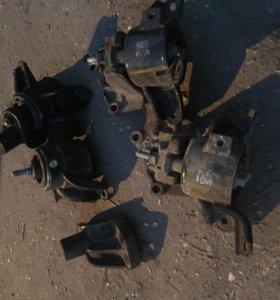 Подушки двигателя ВЕРХНИЕ solaris / kia rio (хендай солярис киа рио) б/у оригинал