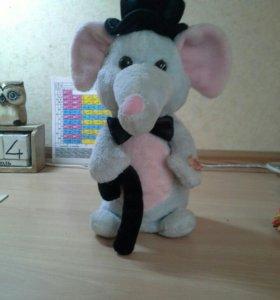 Интерактивная игрушка слоник