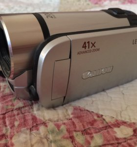 Видеокамера Canon Legria
