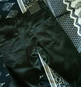Черные джинсы на худышку