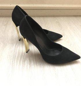 Туфли шпильки