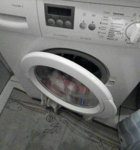 Стиральная машинка,холодильник.