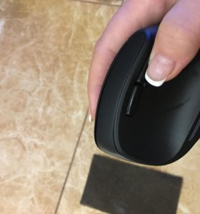 Беспроводная вертикальная мышь