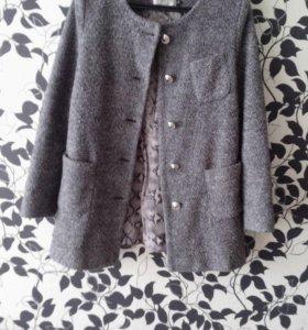 Шерстяное пальто S-M(44-46) + шарфик
