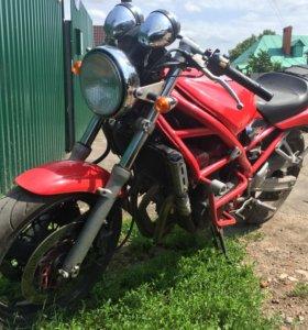 Suzuki Bandit 400-V красноголовый